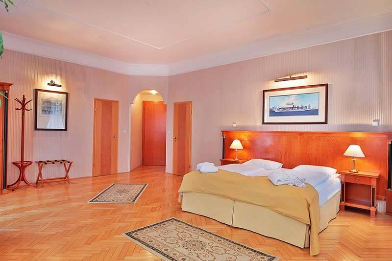 Belvedere room