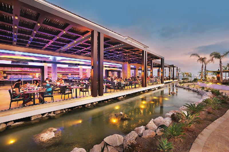 Restaurant at Paphos Resort